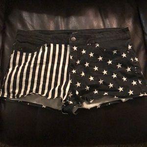 Black & white American flag shorts
